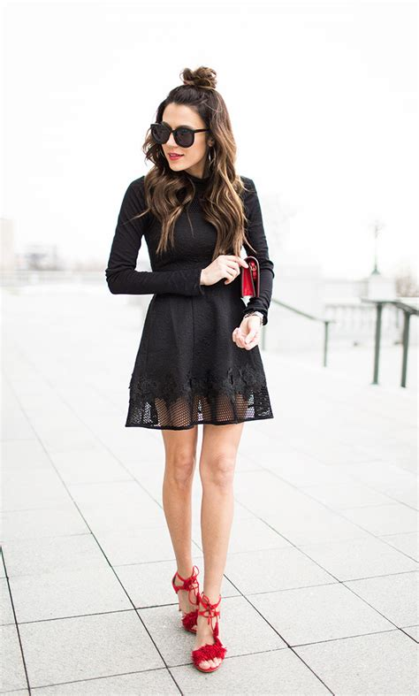 lace  detailing  ways  wear  trend   design