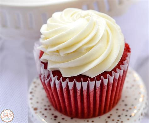 How To Make Amazing Red Velvet Cupcakes  An Alli Event