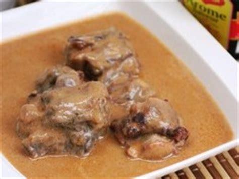 cuisiner la queue de boeuf cuisine du cameroun la recette de la queue de boeuf