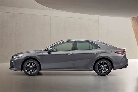 Toyota Camry upgraded for 2021   Parkers