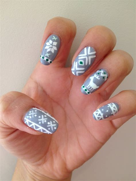 sweater nail ugly sweater nail art popsugar beauty