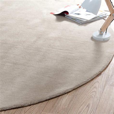 tapis rond soft beige  cm diametre maisons du monde