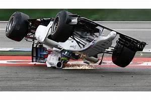 Grand Prix D Allemagne : grand prix d 39 allemagne de f1 le spectaculaire accident de massa en images ~ Medecine-chirurgie-esthetiques.com Avis de Voitures