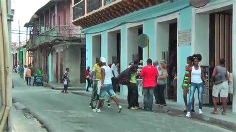 Cuban life in the streets of Santiago de Cuba - YouTube