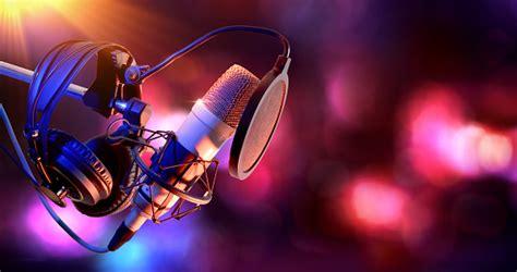 studio condenser microphone  equipment  recording
