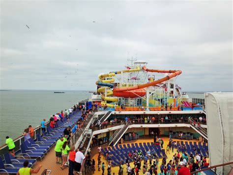 20 carnival cruise pictures from cruise ship on