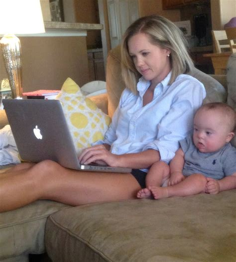 Working Mom Vs Stay At Home Mom Debate There Are No Winners