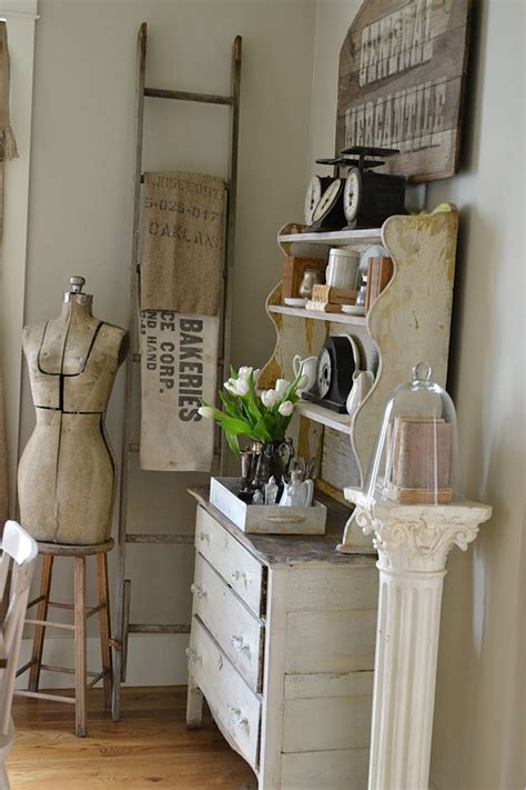 decorate  vintage ladders  ways  inspire
