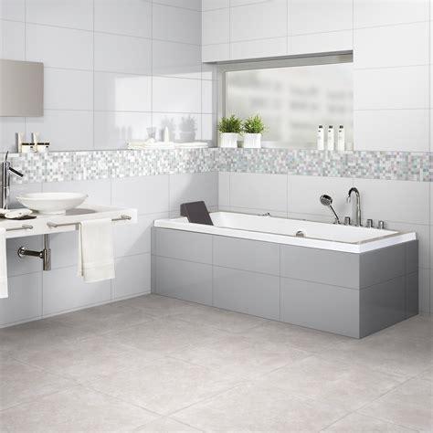 cr馘ences cuisines carrelage mur et sol salle de bain carrelage imitation bois aux murs et au sol de la