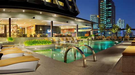wallpaper doubletree  hilton hotel bangkok thailand