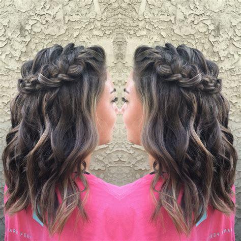 homecoming hairstyle     short medium