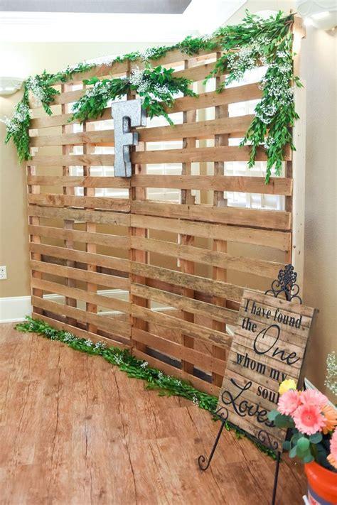 Wooden Pallet Photo Backdrop Idea For Wedding Pallet