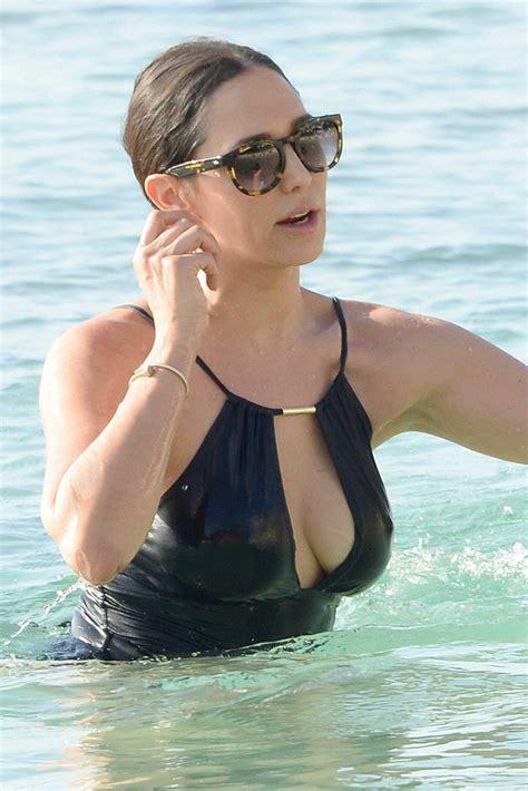 lauren silverman flaunts curves on barbados beach