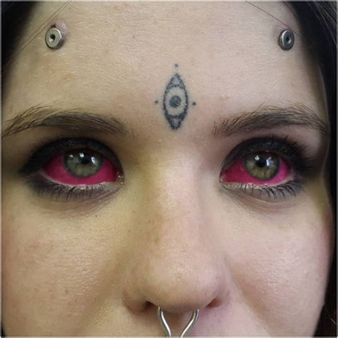 bizarre ink trend  eyeball tattooing