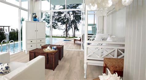 il pavimento parquet  legno ideale destate nella casa