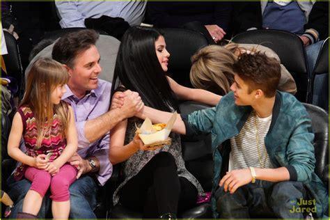 Selena Gomez Goes Dancing Before Kissing Justin Bieber
