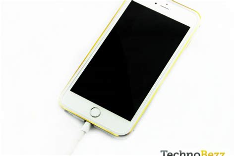 iphone wont charge how to fix iphone that won t charge technobezz