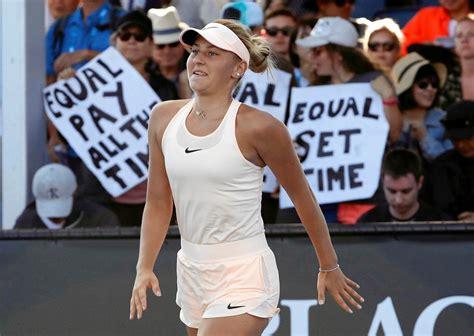 Tenis. 15-letnia Marta Kostiuk podbija Australian Open ...