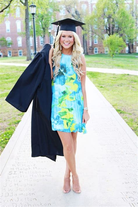 College Graduation Portrait Ideas  Wwwimgkidcom The