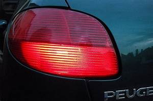 How Much Does It Cost To Replace A Broken Tail Light