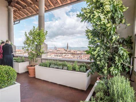 terrazzo pensile un giardino pensile a palazzo vecchio si trova nel