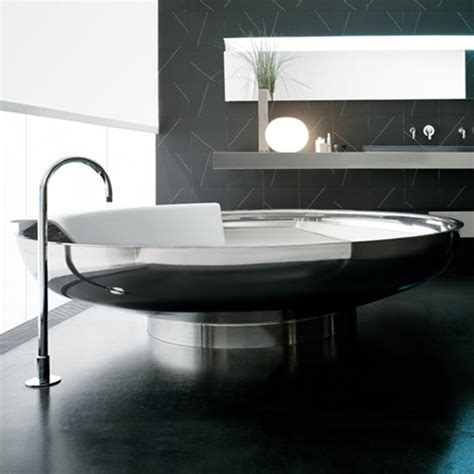selecting the bath pros and cons of different materials