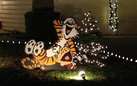 calvin  hobbes christmas lawn decorations