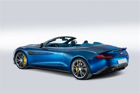Santa Claus Land Of Lights by 2014 Aston Martin Vanquish Volante Wallpapers9