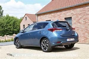 Essai Toyota Auris Hybride 2017 : essai nouvelle toyota auris hybride conqu rante actu automobile ~ Gottalentnigeria.com Avis de Voitures