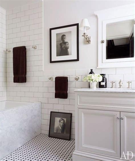 Get the Look   Black & White Bathroom   DIY Decorator