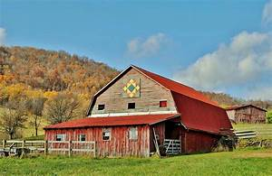 Rustic Red Barn Photograph by Kelly Nowak