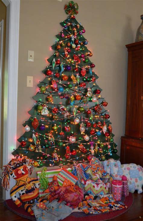 decoracion de navidad colores vibrantes  los adornos