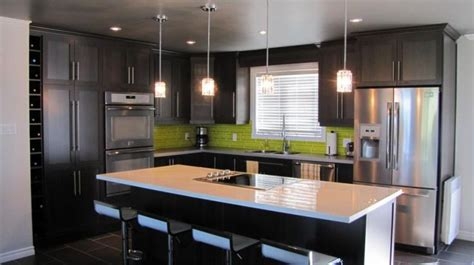 armoir de cuisine 17 best images about maison on taupe kitchen cabinets and cuisine