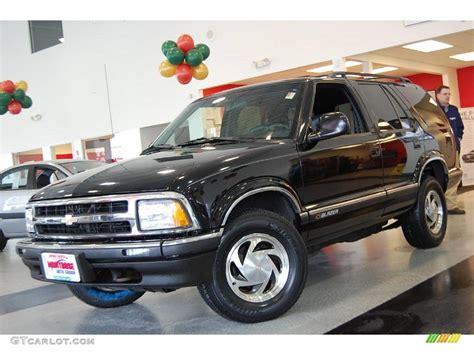 Onyx Black Chevrolet Blazer Photo