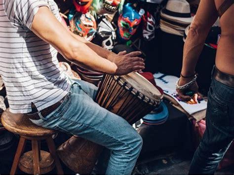 Alat musik sasando adalah alat musik yang berasal dari rote, nusa tenggara timur (ntt), cara memainkan sasando yaitu dengan cara memetik dua sampai tiga dawainya secara. √15+ Alat Musik Ritmis Tradisional dan Modern dan Cara Mainkannya