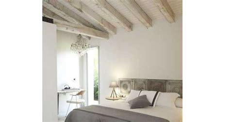 chambre avec poutres apparentes awesome decoration chambre adulte avec lambris pictures