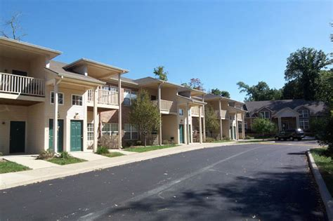 Apartments Bloomington In by Canterbury House Apartments Bloomington Rentals