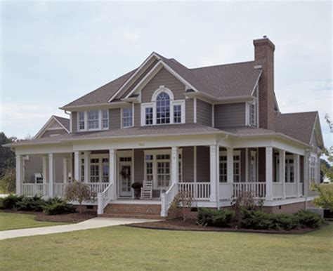 country style home country style house plan 3 beds 2 5 baths 2112 sq ft