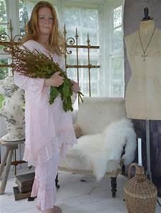 Romantiska kläder med spets