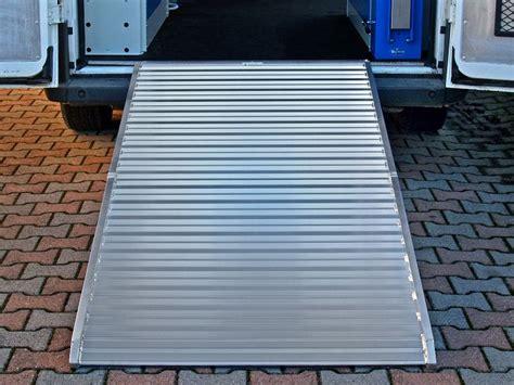pedane in alluminio disponibili nuovi modelli di re in alluminio per furgoni