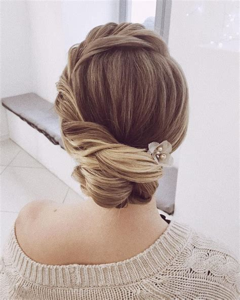 Classic Wedding Updo Hairstyles by Best 25 Wedding Hairstyles Ideas On