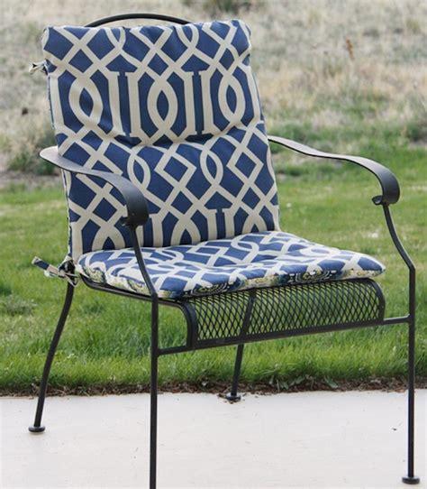 galette de chaise de jardin 1001 idées et inspirations de motifs pour coussin de chaise