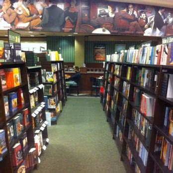 barnes and noble fresno barnes noble booksellers 114 photos 51 reviews