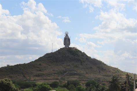 santa rita  maior estatua catolica  mundo esta  rn