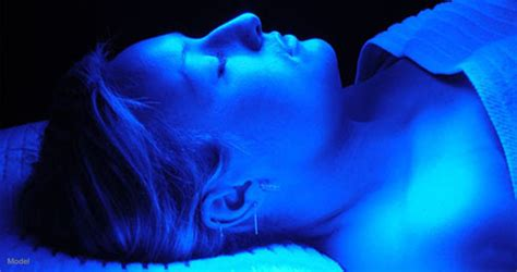 blue light treatment for sun damage healing acne with blue light therapy arion skin laser