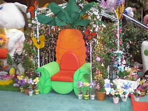 EASTER - MM DISPLAY COMMERCIAL HOLIDAY DECOR INSTALLATION