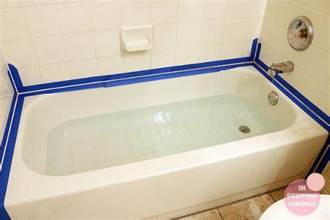 Caulking Bathroom Tile by 25 Best Ideas About Caulking Tub On