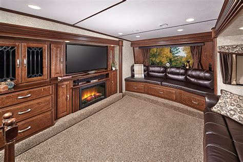 Wonderful Interior Top Of Front Living Room Fifth Wheels