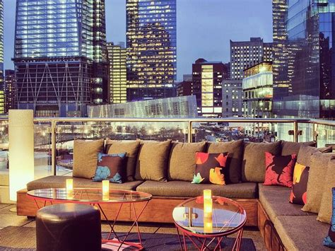 Top 10 Rooftop Bars In New York Big Coffee Table 30 Ideas For Decorating Round Espresso Living Room Wheels Tom Dixon Diy