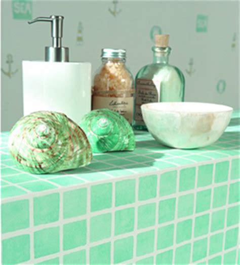 papier peint dans salle de bain d 233 coration murale le papier peint dans la salle de bain